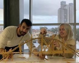 הג'וב האיטלקי: כמה אפשר להעמיס על גשר שעשוי מפסטה יבשה?