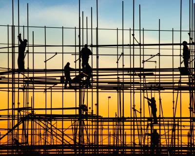 מאה ביחסי אנוש: כמה חשוב פיתוח עובדים ומנהלים לענף הבנייה?
